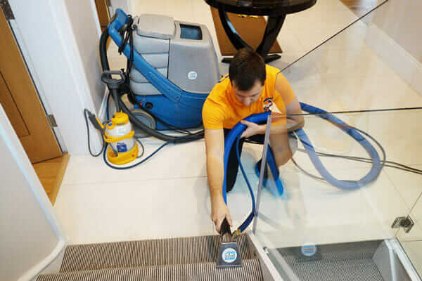 Carpet Steam Cleaning: Professional vs