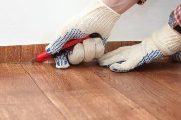 How to Clean Linoleum Floors (5 Tips for Maintaining Linoleum)