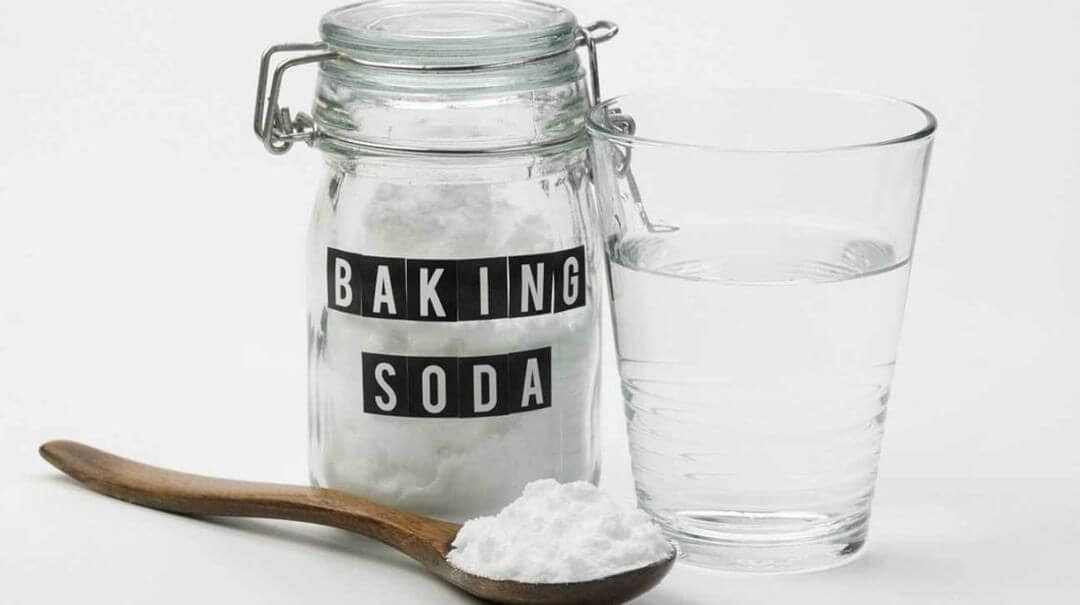 2 Simple Methods To Use Baking Soda As Carpet Cleaner - The House Wire