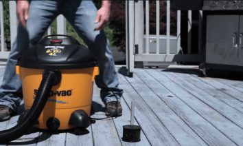 How to Vacuum Water With a Wet-Dry Vac