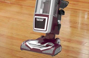 Shark Rotator Powered Lift-Away TruePet Upright NV752 Review